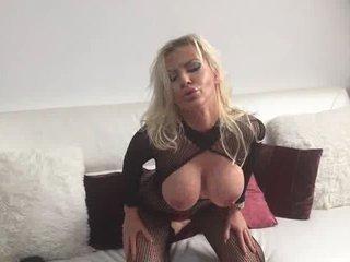 Huren Live-Cam-Sex und Pornos MiaDoll