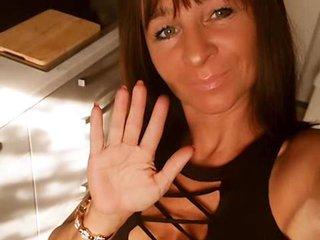 Preview 13: Sara Knackarsch, grosse Titten *Komm rein und spritz. Der geilste Po im Web!